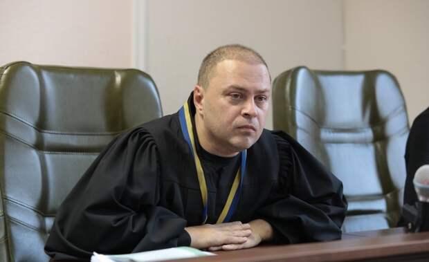 """Украинский судья не поверил """"честному слова"""" украинского прокурора"""