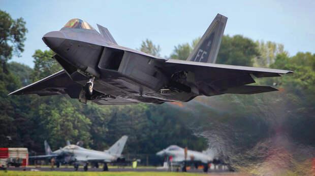 В США могут заменить F-22 истребителем нового поколения