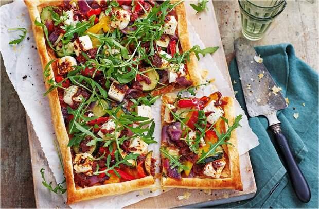 Рецепт: Пирог с овощами, сыром фета и хрустящего теста – непревзойденный вкус!