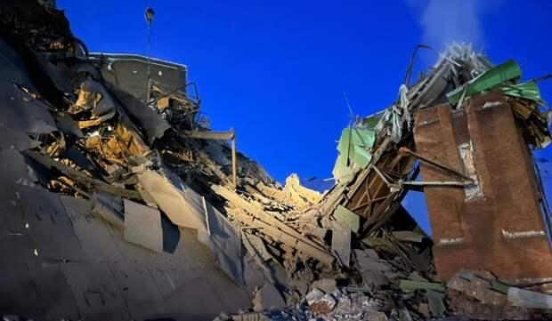 В Норильске обрушилось здание фабрики, есть жертвы