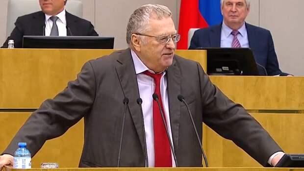 Жириновский объяснил стремление Байдена заручиться поддержкой Путина