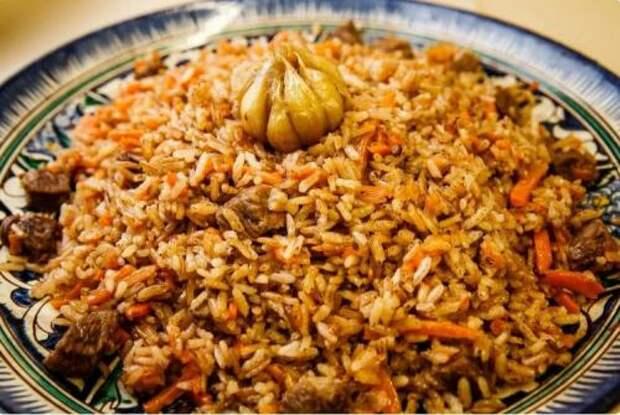 Соседи родом из Узбекистана научили меня готовить идеальный плов. Такой вкуснятины я никогда не ела