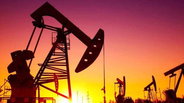 В ЯНАО прорвало трубопровод с нефтью