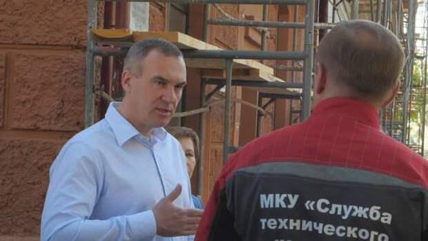 Руслан Кухарук оценил ход работ капремонта домов в Тюмени
