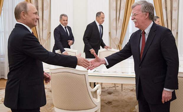 Джон Болтон рычит на Россию: как Байдену ловчее «перевести стрелки» на Путина? (National Review, США)