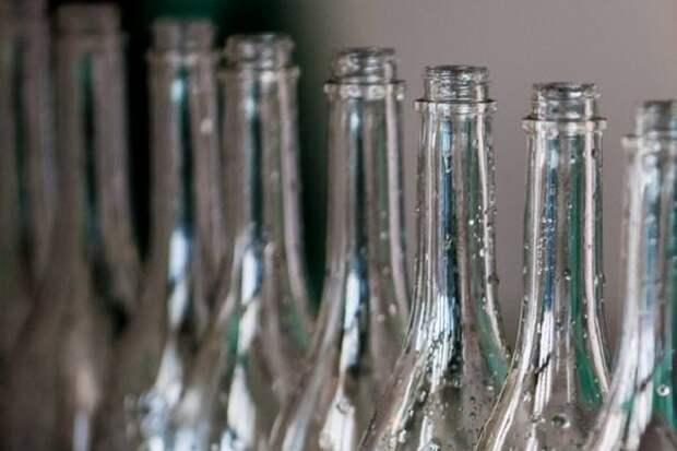 """800 бутылок алкоголя изъяли у """"черного бутлегера"""" на Кубани"""