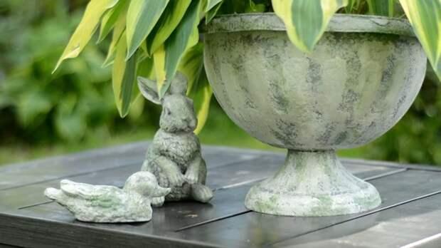 Превратите дешёвый пластик в благородный камень! Красивые садовые фигурки и кашпо