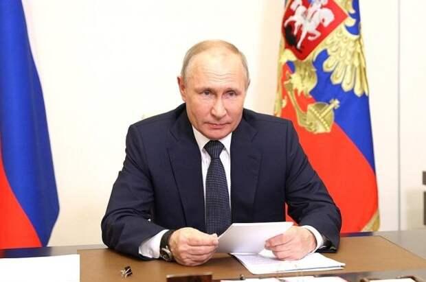 Путин указал на важность появления в депутатском корпусе людей «от земли»