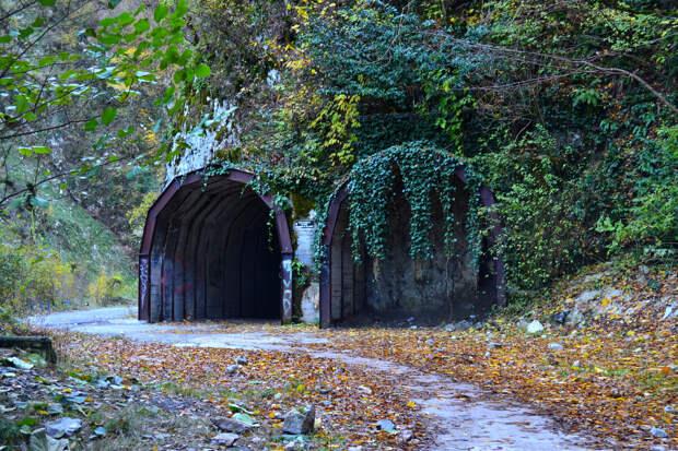 Загадочные тёмные тоннели