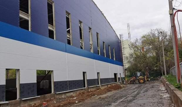 Строительство крытого футбольного манежа вРостове завершится в2022 году