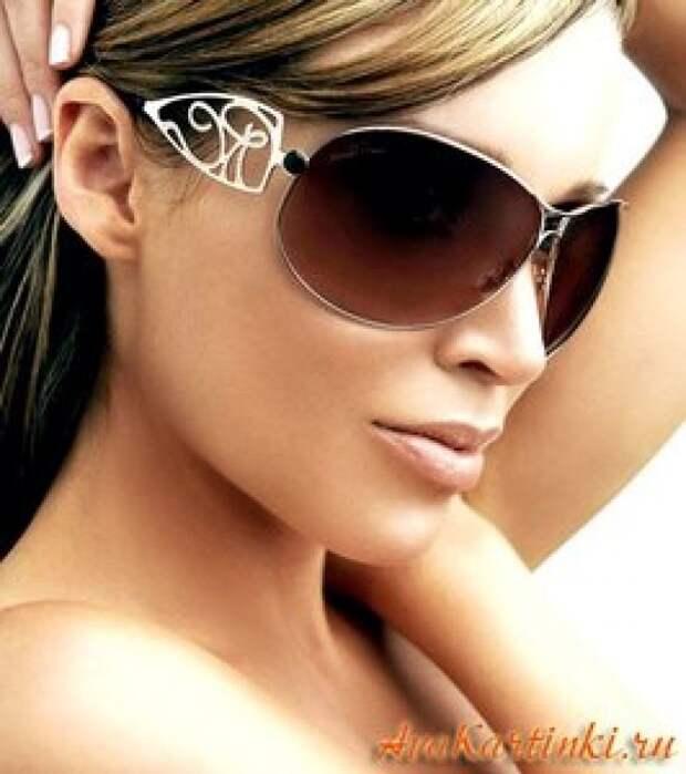 Весенне-летние тенденции 2018: Какие солнцезащитные очки выбрать?
