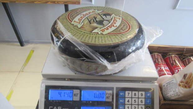 Голландский сыр и испанское мясо сожгли в Севастополе