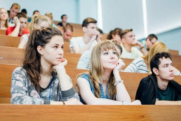 31% россиян не готовы платить за высшее образование