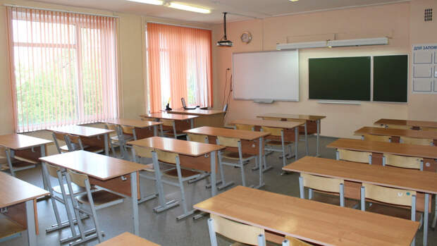 Уроки в школе Благовещенска были отменены из-за сообщения о возможной ЧС