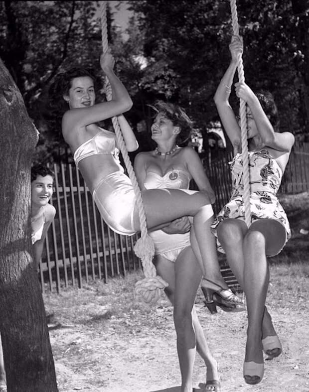 Софи Лорен на конкурсе Мисс Италия 1950 года.
