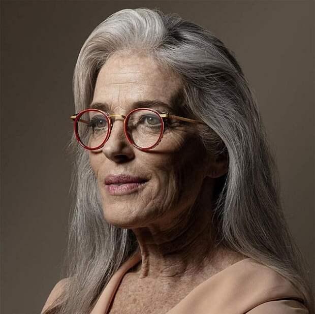 Очки, которые старят и добавляют лет