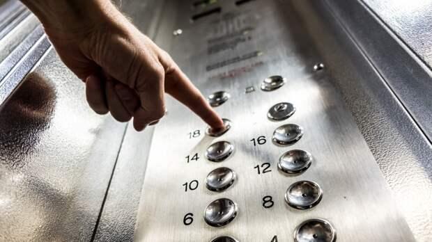 Власти Псковской области планируют провести замену 120 лифтов до конца года