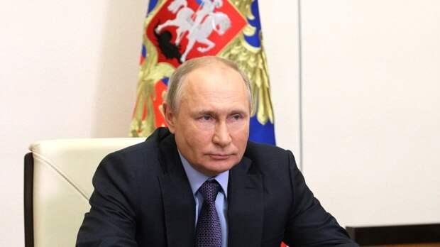 Путин наградил врачей, проводивших операцию во время пожара в Благовещенске