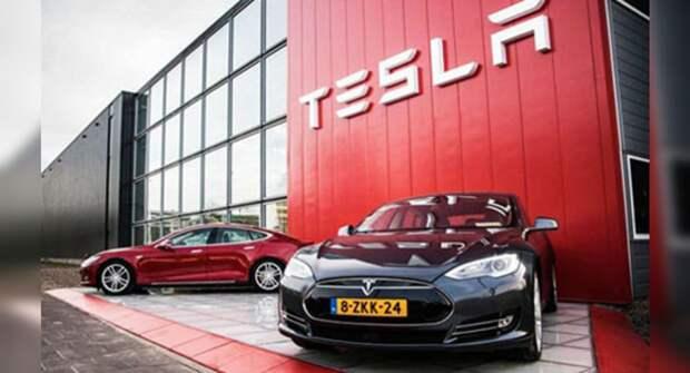 Компания Tesla отправит всех недовольных в автосервис и не вернет деньги