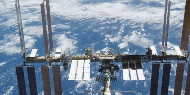 Школьники получили поздравление из космоса