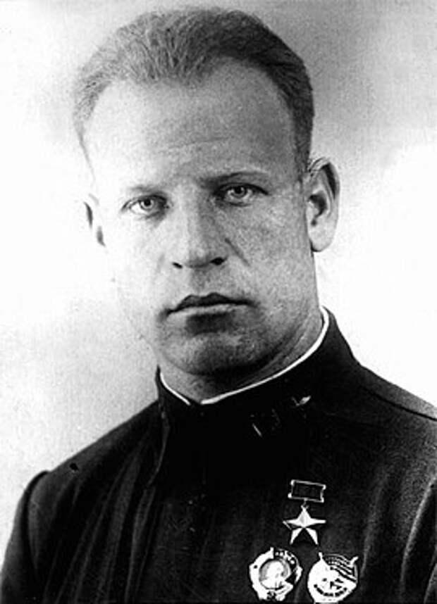 Командир 5-го гв. иап В.А. Зайцев. Май 1942 г.