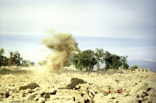 На военной базе в Афганистане талибы устроили взрыв