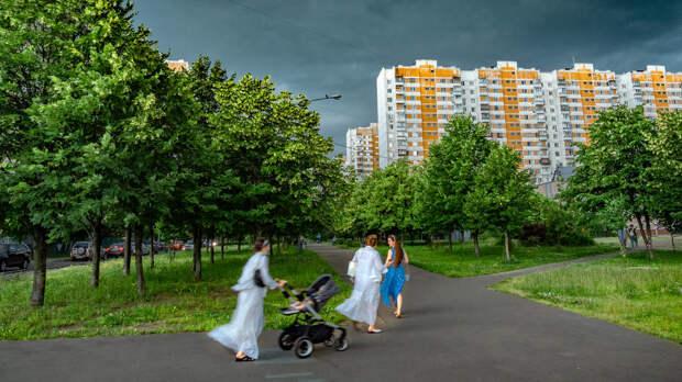 Синоптики пообещали москвичам грозу и сильные порывы ветра
