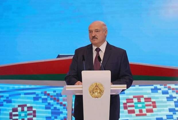Лукашенко: Россия боится потерять Беларусь, единственного оставшегося союзника