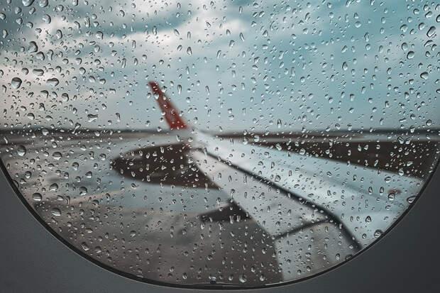 Эксперт назвал возможную причину крушения Boeing 737-500