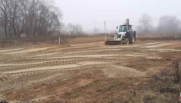 Незаконные земляные работы приостановили в деревне Сертякино