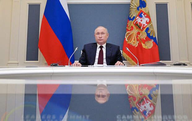 Путин подписал указ о длинных выходных на майские праздники