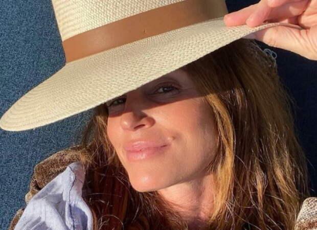 «Оглушительно»: Синди Кроуфорд похвасталась фигурой накануне 55-летия