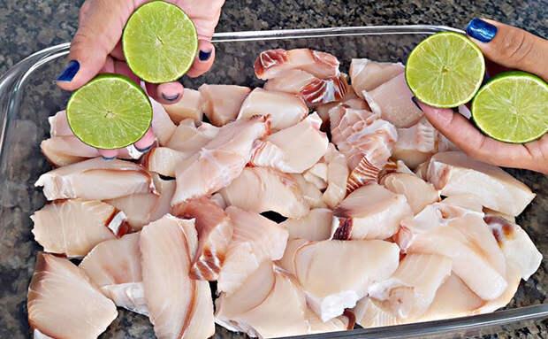 Ресторатор подсказал рецепт подготовки любой рыбы. Использует лимон, чтобы рыба отдала весь вкус