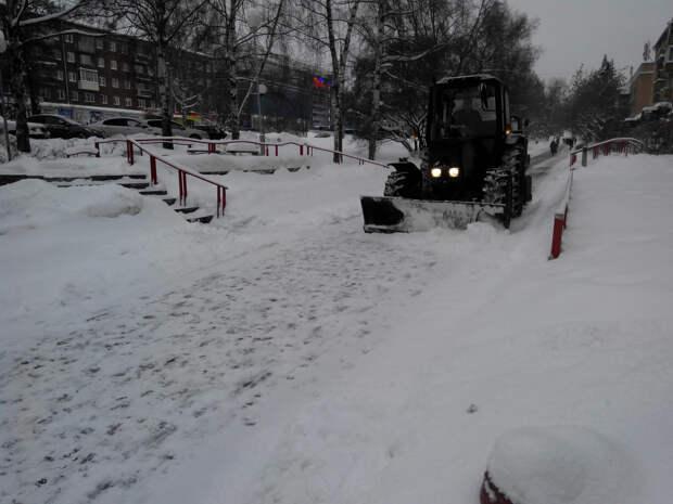 Жилищная инспекция Удмуртии проверит качество уборки придомовых территорий от снега