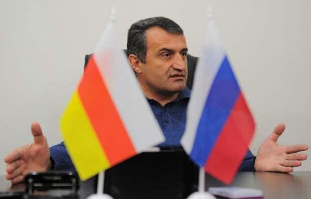 Парламент Южной Осетии вынесет на референдум вопрос о вхождении в РФ
