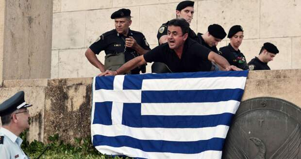Куда подальше вашу Грецию: три штрафа на 3000 евро и арест