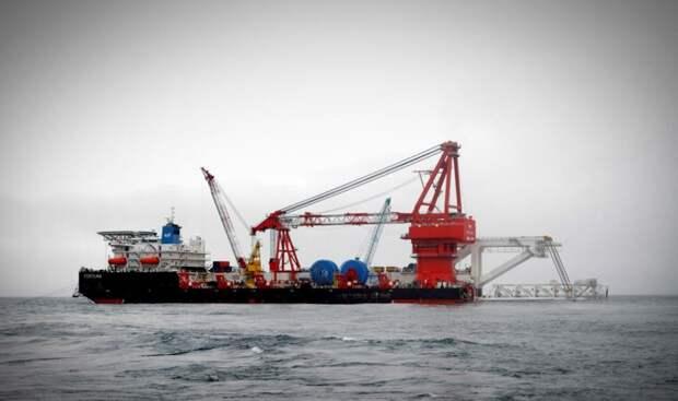 Трубоукладчик «Фортуна» продолжает строительство «Северного потока-2»