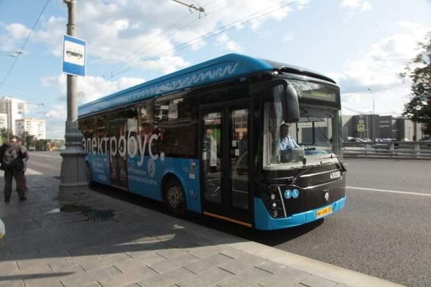 У автобусов, курсирующих через Строгино, появится дополнительная остановка