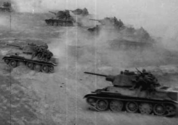 Редкая хроника Курской битвы: АРМАДЫ ТАНКОВ Т-34 в бою и освобождение Харькова (HD 1080, 1943)