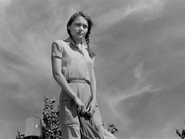 Жанне Болотовой уже 79 лет, звезда 60-х отвергла богемного художника и полюбила идейного режисера