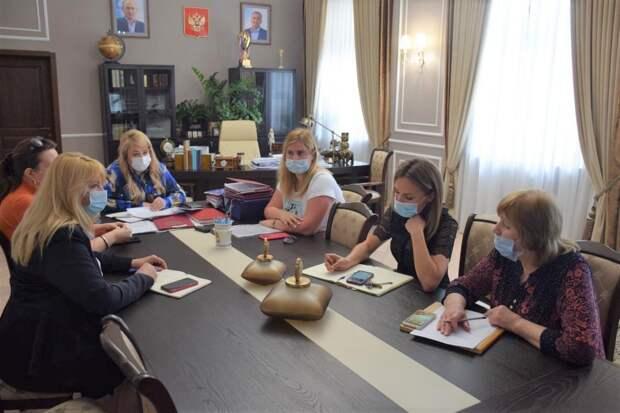 В Ялте планируют отменить плату за жильё для малоимущих детей-сирот на 5 лет