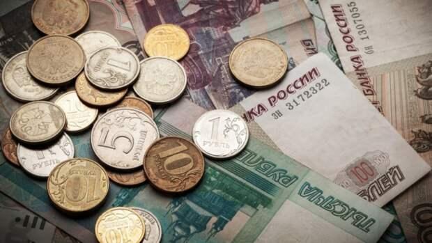 Россияне назвали профессию с самой неоправданно высокой зарплатой
