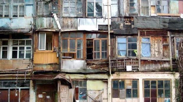 Мишустин ускорил процесс расселения граждан из аварийного жилья