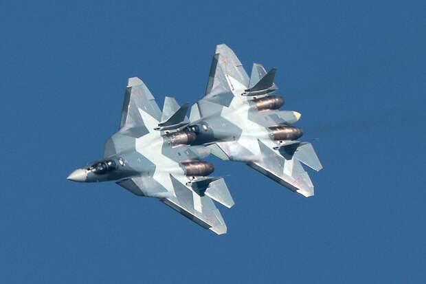 Первый серийный истребитель Су-57 поступит в Воздушно-космические силы России уже в 2019 году, а второй - годом позже