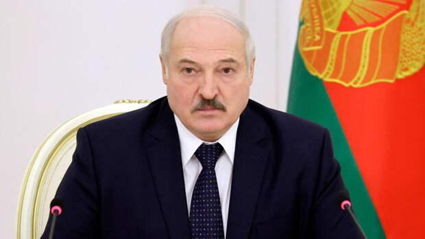 Лукашенко заявил, что опытные спецслужбы работают против властей Белоруссии