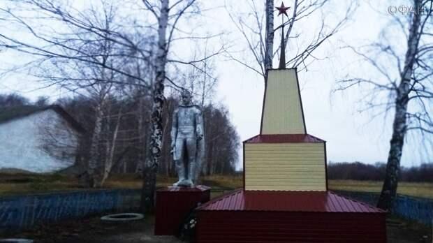 В Мордовии преобразился обшитый металлопрофилем памятник