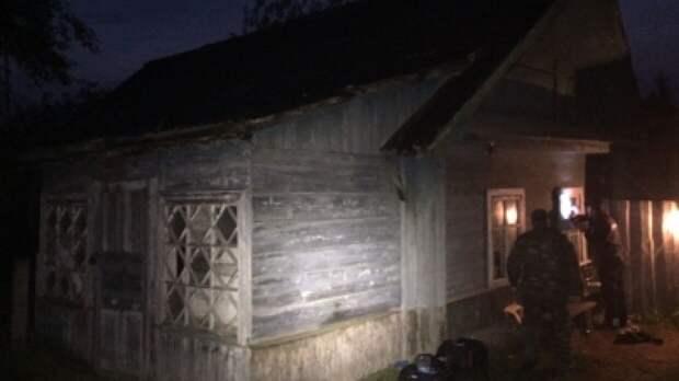 Пожилые супруги умерли в запертом доме под Саратовом