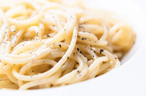 Минутные заправки для макарон: превращаем надоевшие рожки во вкусноту