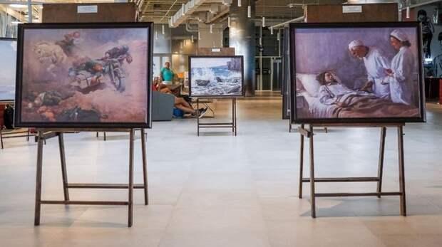 В симферопольском аэропорту открылась выставка в честь 100-летия художника