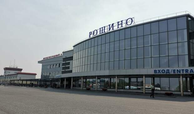 Втюменский аэропорт «Рощино» прибыл борт спожарными